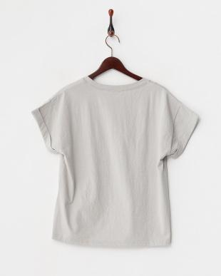 グレー  フリンジロゴTシャツ見る
