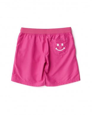 ピンク  ロゴ刺繍入り ボードショーツ見る