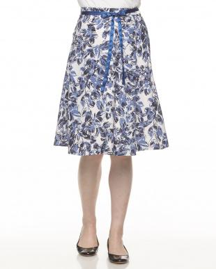オフホワイト×ブルー系  リボン付き プリントスカート見る