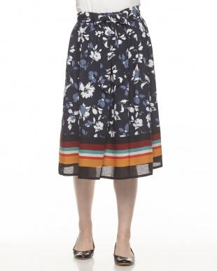 ネイビー ボーダーヘム リボン付き 花柄スカート見る