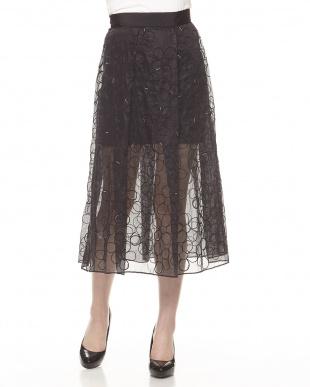 ブラック フラワー刺繍オーガンジースカート見る