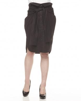 ブラック シャツスカート見る