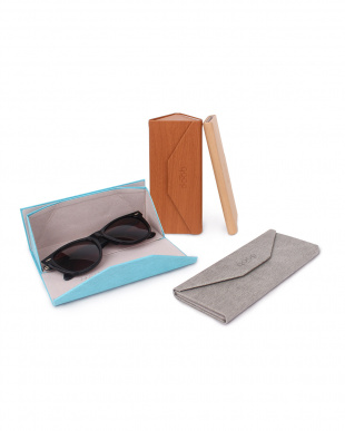 d-wood  QP FOLDABLE GLASSES CASE見る