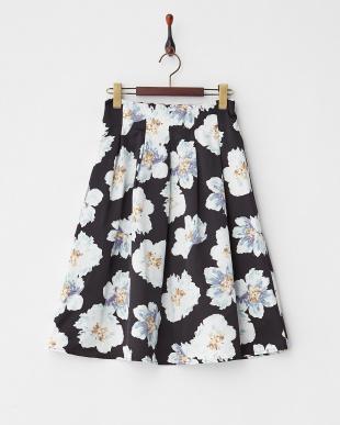 ブラック  フラワープリントタックフレアスカート見る
