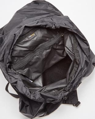ブラック ITSY BITSY 25L ポケッタブルバックパック|UNISEX見る