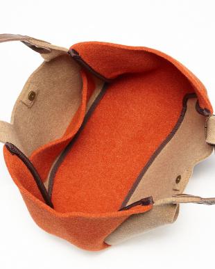 ライトベージュ  イタリア製フェルトくり手トートバッグ見る