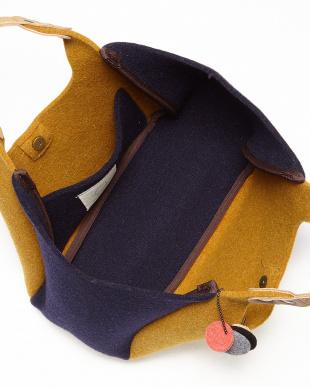 キャメル  イタリア製フェルトミニくり手トートバッグ ベージュレザー見る