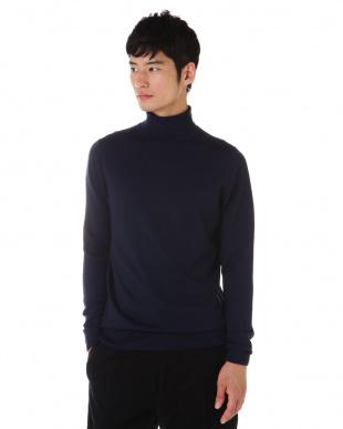 ネイビー  Fine Merino Wool Long Sleeve Roll Neck ニットプルオーバー MEN見る