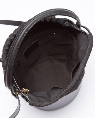 ブラック  バケットバッグ見る