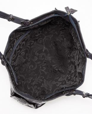ブラック  クロコレザートートバッグ見る