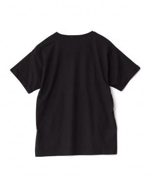 クロ  RESOLVEプリント刺繍Tシャツ見る