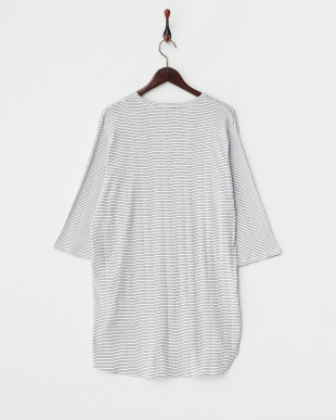 OFF WHITE ラウンドロングボーダーTシャツ(5分袖)見る