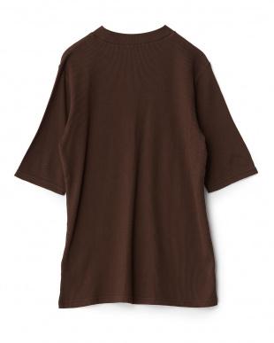 BROWN  ワッフルハイネック五分袖Tシャツ WH見る