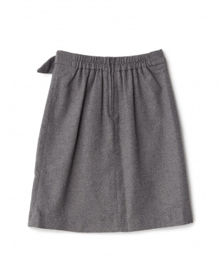 グレー  サイドバックルIラインスカート見る