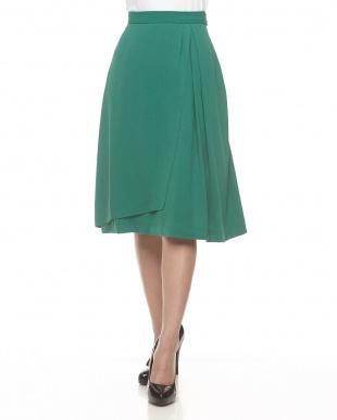 グリーン ラップ風フレアースカート見る