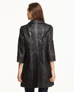 ブラック パンチングレザー7分袖コート見る