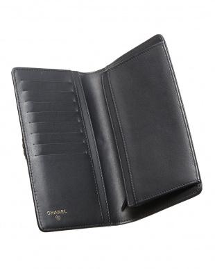 ブラック BOY CHANEL 二つ折り長財布見る