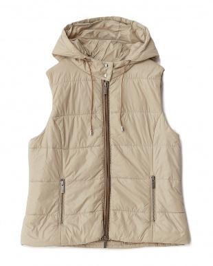 ベージュ  イタリア製生地 中わたジャケット&ベスト見る