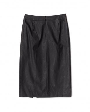 ブラック  フェイクレザースリットスカート見る