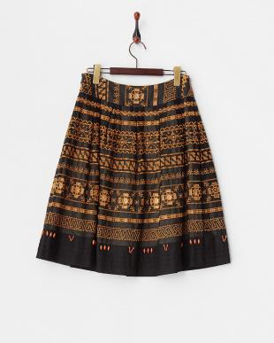 クロ  ボーダー刺繍スカート見る