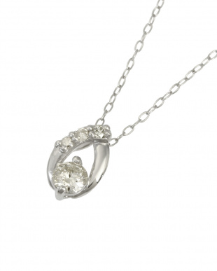 Pt 天然ダイヤモンド計0.2ct プラチナ オーバルデザイン ネックレス見る