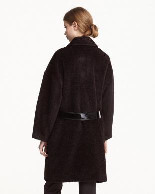 ブラック×ボルドー エナメルベルト付き シャギーコート見る