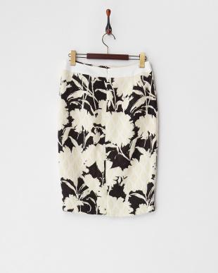 white ウールタイトスカート見る