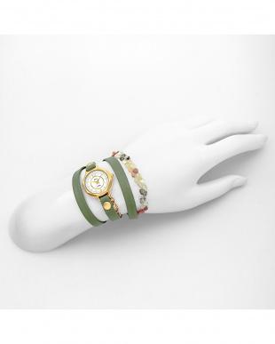 スモーキーグリーン THE LAKESIDE レザーベルト腕時計見る