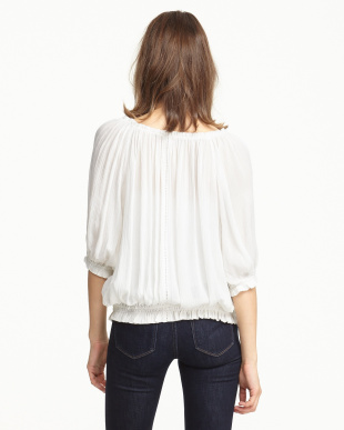 WHITE  OFF THE SHOULDER TOP見る