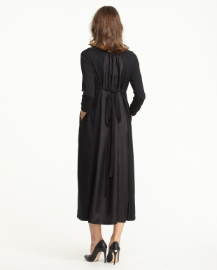 BLACK  CENTER SLIT LONG DRESS見る