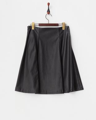ブラック フェイクレザーフレアスカート見る