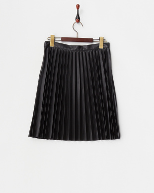 ブラック  フェイクレザープリーツスカート見る