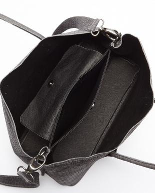 ブラック  メッシュ型押しトートバッグ見る