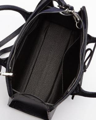 ブラック  リボン装飾バッグ見る