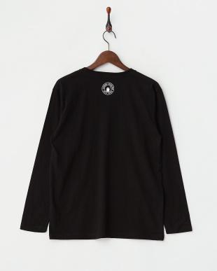 ブラック 長袖Tシャツ ビューティフル シャドー プレイング タイポ見る