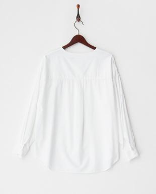 ホワイト  ノーカラーオーバーシャツ見る