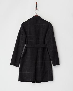 チャコールグレー系×ブラック イタリア製生地 リバーシブルチェック柄ベルテッドコート見る