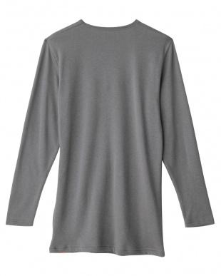 グレー  Vネック9分袖シャツ見る