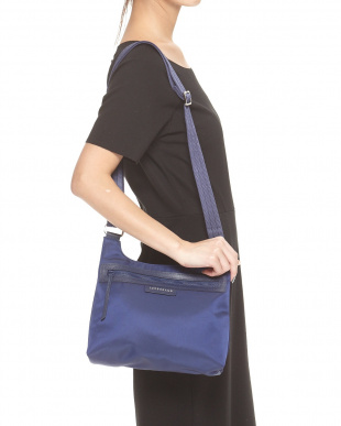 Navy  Le Pliage Neo ZIPクロスボディバッグ見る