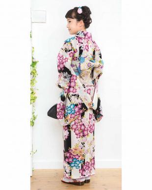 ブラック系×アイボリー系 ナカノヒロミチ 桜&梅 こどもきもの造り帯2点セット見る