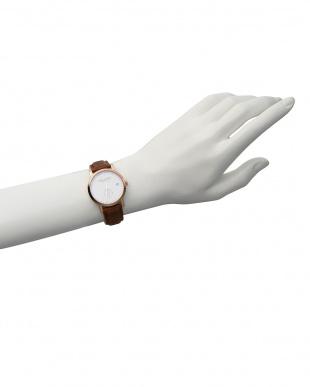 白×ブラウン LW37 腕時計見る