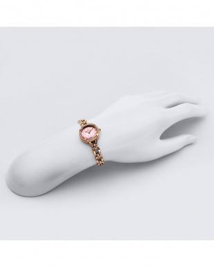 ピンク系フェイス For Heart 腕時計見る