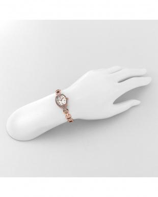 シルバー系フェイス Starlight 腕時計見る