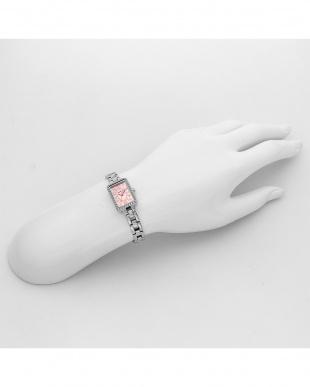 ピンクパール系フェイス Twinkle Heart 腕時計見る