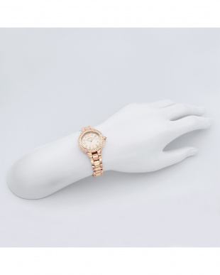 シルバー系フェイス Love Sports 腕時計見る