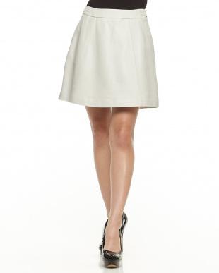 ホワイト レザーフレアスカート見る