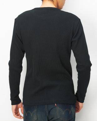 ブラック  ワッフル クルーネックTシャツ見る