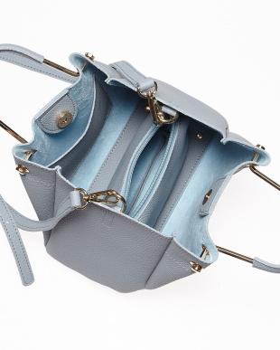 Blue  メタルハンドルバッグ見る