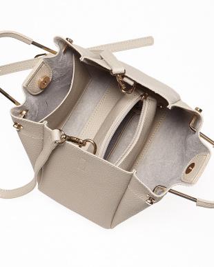 L.Gray  メタルハンドルバッグ見る