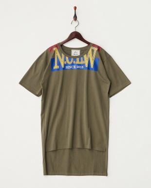 カーキ  リメイク風Tシャツ見る